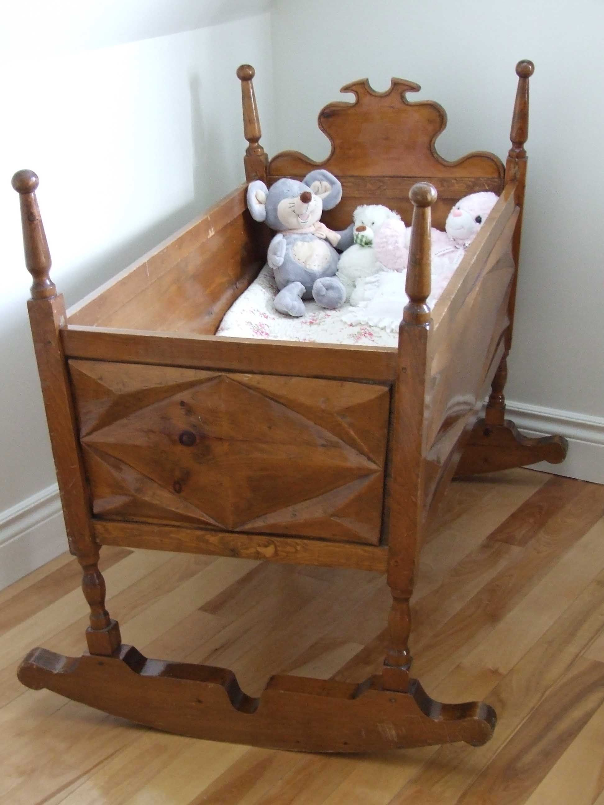 Antique Cradle Quebec Baby Furniture Furniture Bassinet Mattress