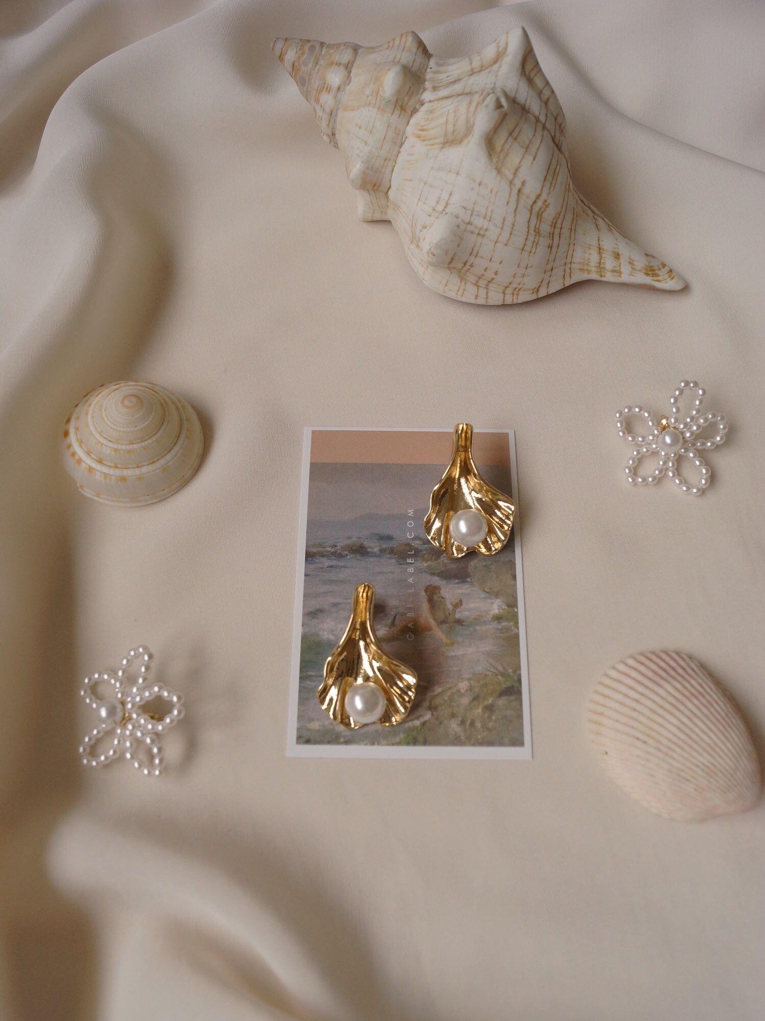 Photo of Jewels / Seashell Earrings