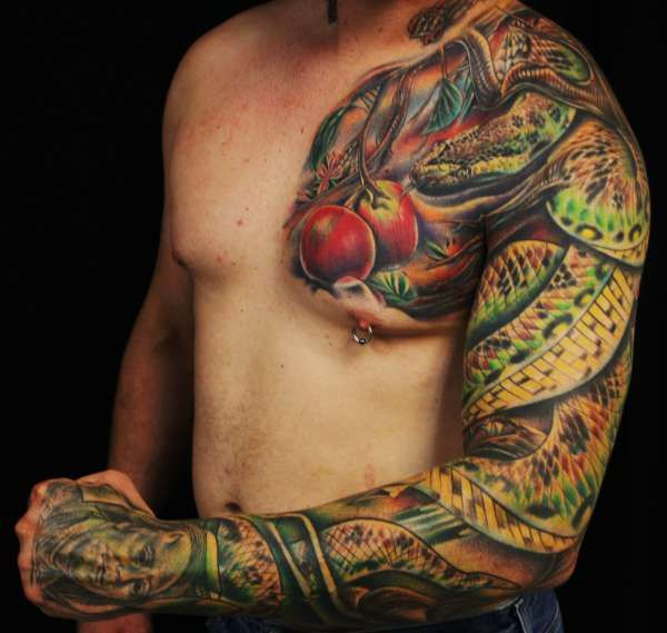 Id Seriously Like To Know Who Did This Very Talented Snake Tattoo Design Snake Tattoo Tattoo Sleeve Designs