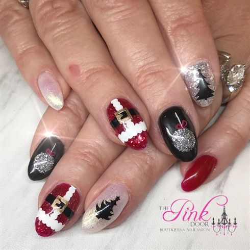 Black And Red Christmas Nails by NailsByDedee from Nail Art Gallery ...