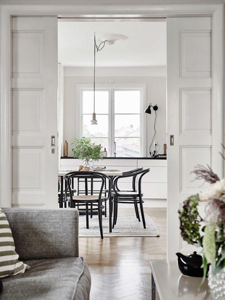 Elegantes Puertas Correderas Dobles De Paso Al Salon A Home Is