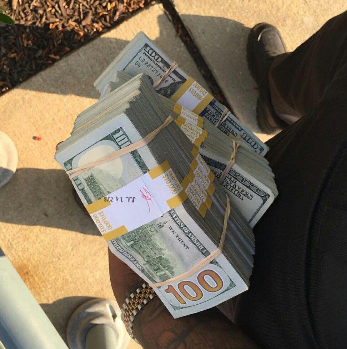 Money flows effortlessly with abundance to me Money cash