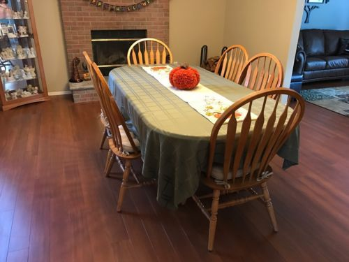 Solid Oak kitchen / Dining Room Set - 1 Table & 6 Chairs - USED https://t.co/ARaSQbobI8 https://t.co/itF8O4nN11