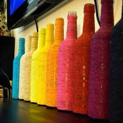 Botellas decoradas con hilos de colores decorar reusando - Botellas con velas ...