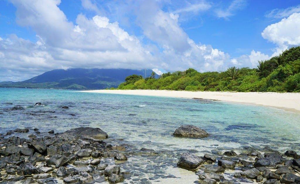 24 Foto Pemandangan Alam Di Indonesia 15 Tempat Wisata Alam Terbaik Di Indonesia Yang Akan Download 11 Wisata Alam Jawa Di 2020 Pemandangan Tempat Liburan Pantai