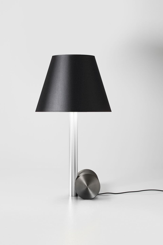 Lampe design, abat jour en chinette, socle finition graphite