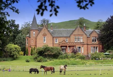 Toftcombs Mansion House Biggar Scottish Borders Horses Dogs