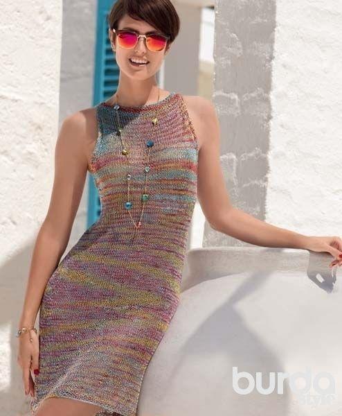 Вяжем платье резинкой спицами