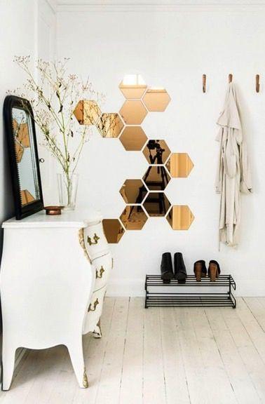 Des miroirs originaux pour une déco tendance Apartments, Adhesive