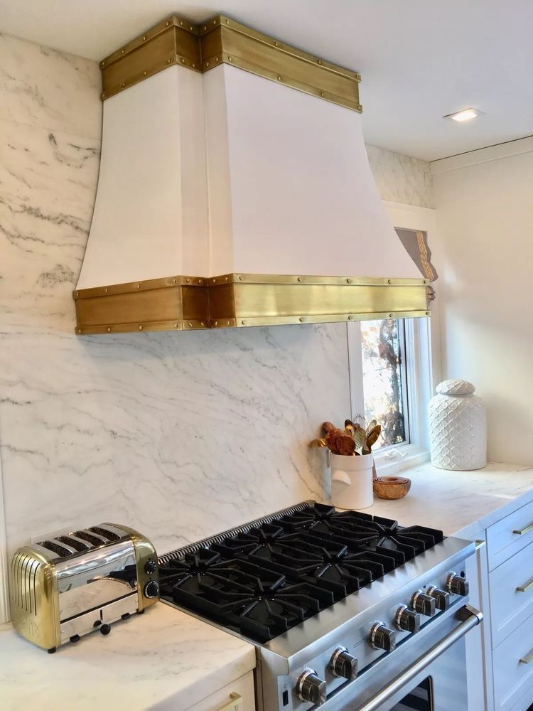 White Range Hood Incl Vent Motor Goes With Wolf Or Viking Range Model 317 Small White Kitchens White Modern Kitchen White Kitchen Design