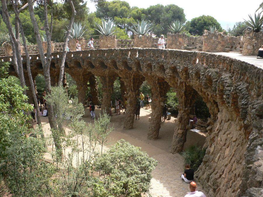 Gaudi garden barcelona gaud pinterest for Barcelona jardin gaudi