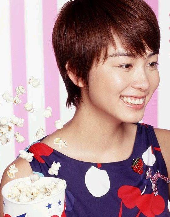 髪のアクセサリーが素敵な岡本綾さん