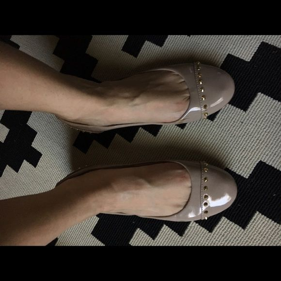 Steve Madden nude studded flat Size 8 - fit like 7.5. Nude patent. From Nordstrom Steve Madden Shoes Flats & Loafers