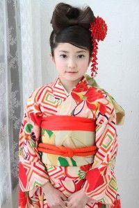 七五三で着物の女の子の髪型 7歳のロング ミディアムヘアアレンジ