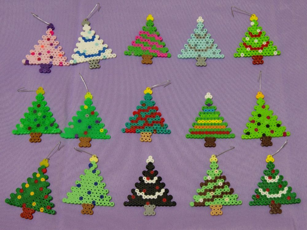 christmas tree ornaments perler beads by dragonistic. Black Bedroom Furniture Sets. Home Design Ideas