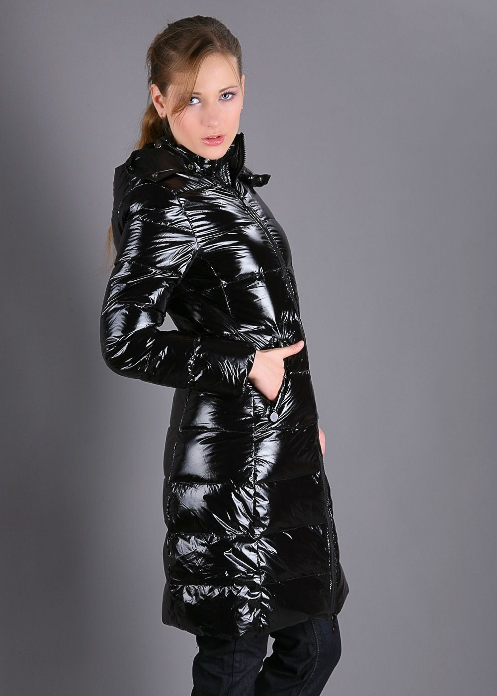 20921a22689808 Shiny puffer downcoat | coat and boots in 2019 | Jacken, Mantel und ...