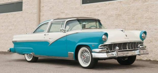 1956 Ford Crown Victoria Skyliner This Old Car Sported The Flashy Chrome Basket Handle Which Stretched The B Pilla 1956 Ford Ford Fairlane Custom Cars Paint