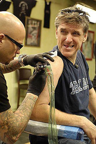 Craig Getting Ferguson Tattoo Chelsea Latelys Comedy