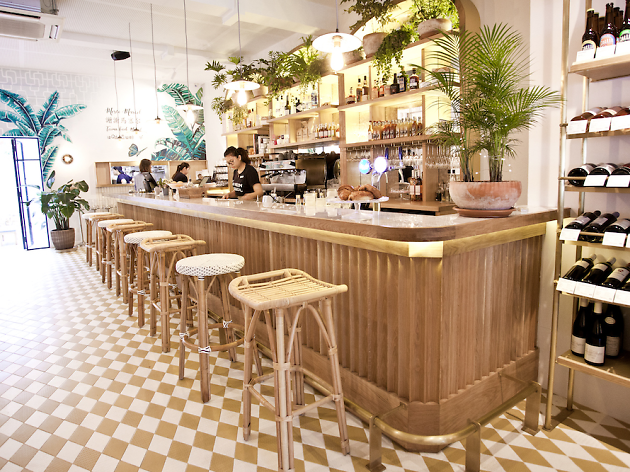 15 Delicious And Instagramable Cafes In Singapore Dewildesalhab武士 European Cafe Brunch Singapore Brunch Places