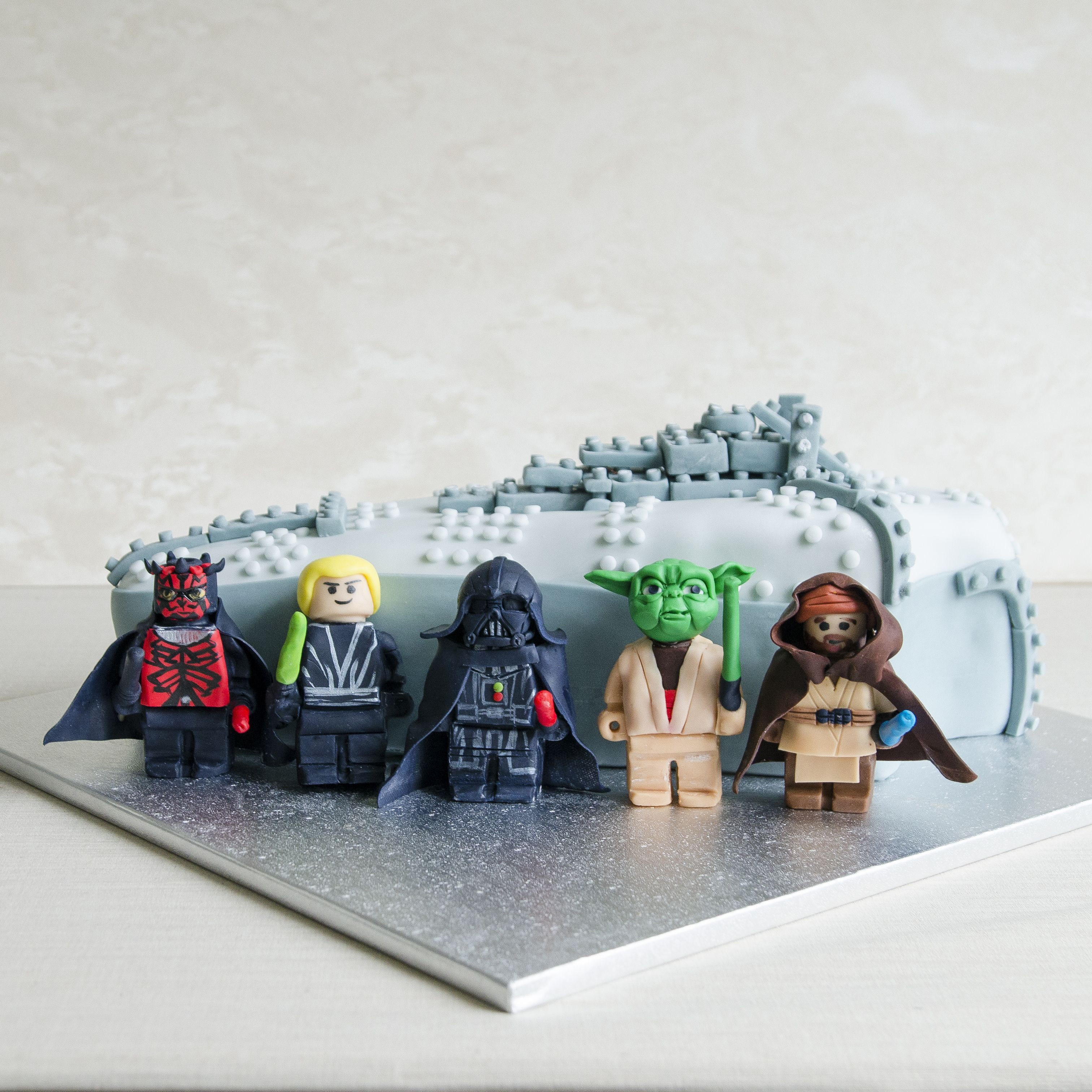Colectia Lego Star Wars A Prins Contur Prin Intermediul Tort