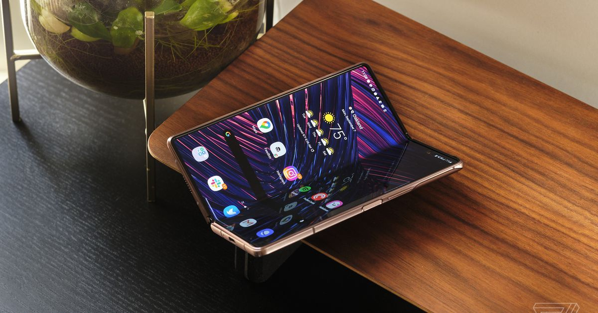 Samsung Galaxy Z Fold 2 Review An Extravagant Success Https Ift Tt 2gdcklw New Gadgets Samsung Galaxy Galaxy
