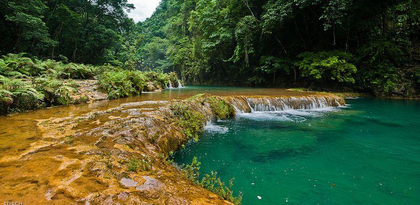 http://s.embark.org/0.9.0/media/820x400/Guatemala/images/semuc-champey-guatemala.jpg