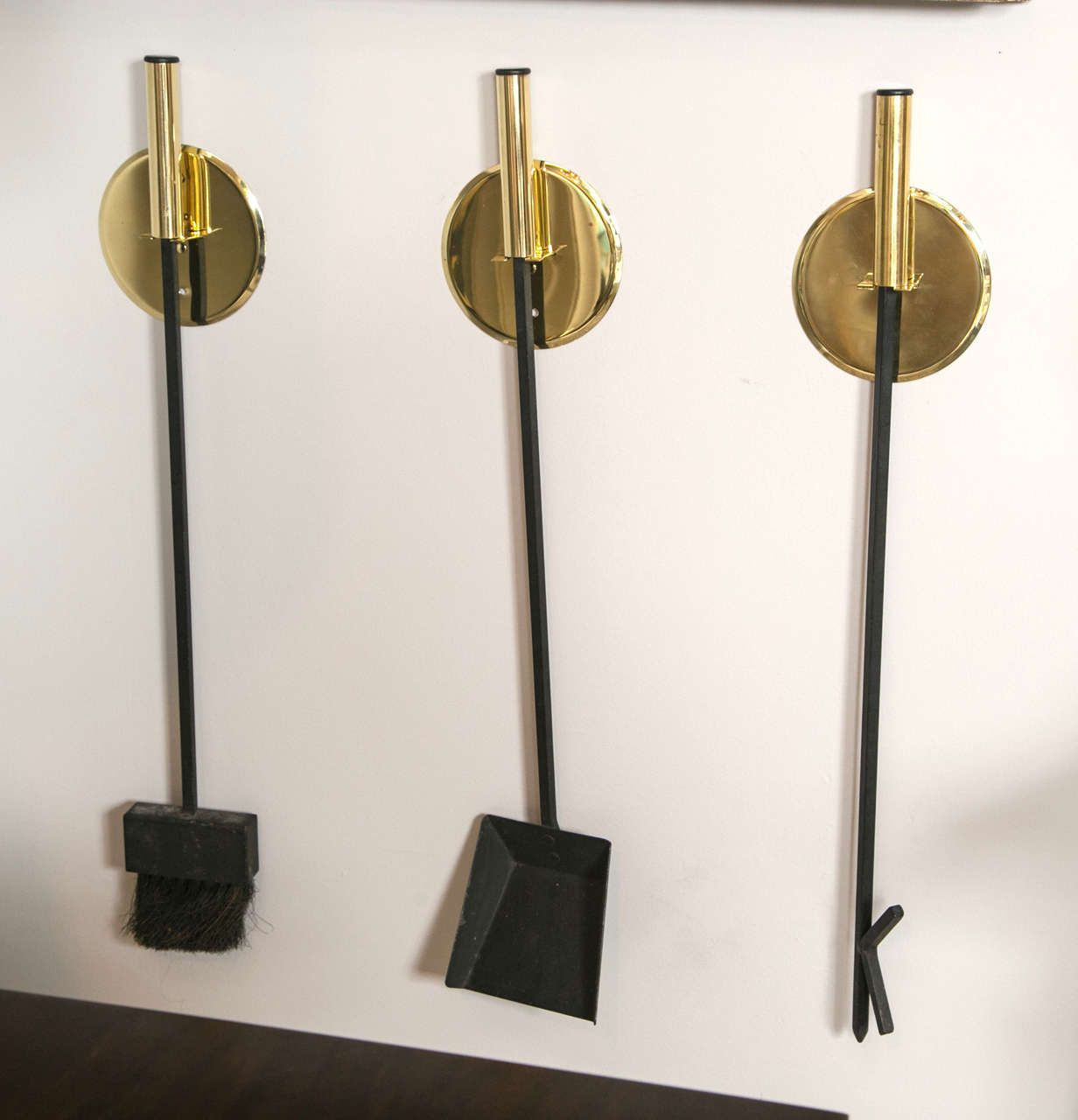Wall Mounted Mid Century Brass Fireplace Tools Set Of Three 1stdibs Com Wall Mounted Fireplace Modern Fireplace Tools Wall Hanging Fireplace