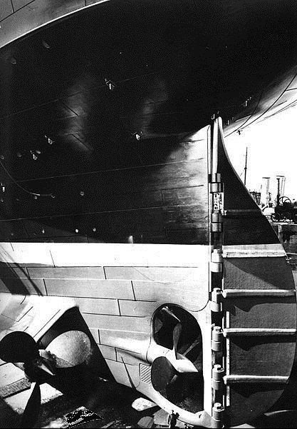 @OMGFacts: Perspective: There's a man at the bottom of this picture of the Titanic