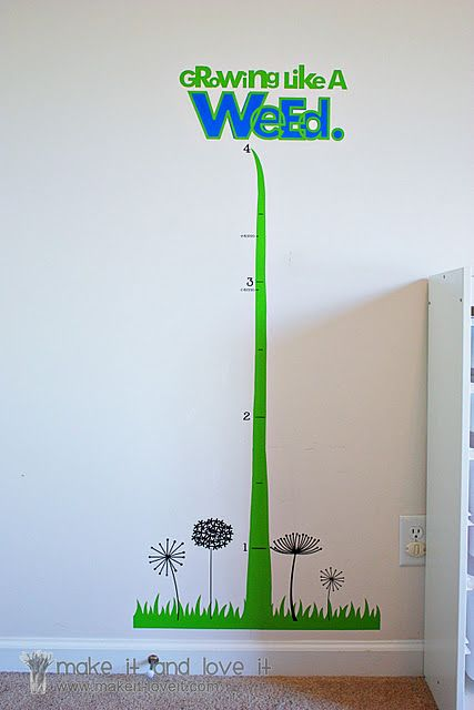 DIY growth chart using silhouette and vinyl. Or you could paint this directly on the wall.  :)