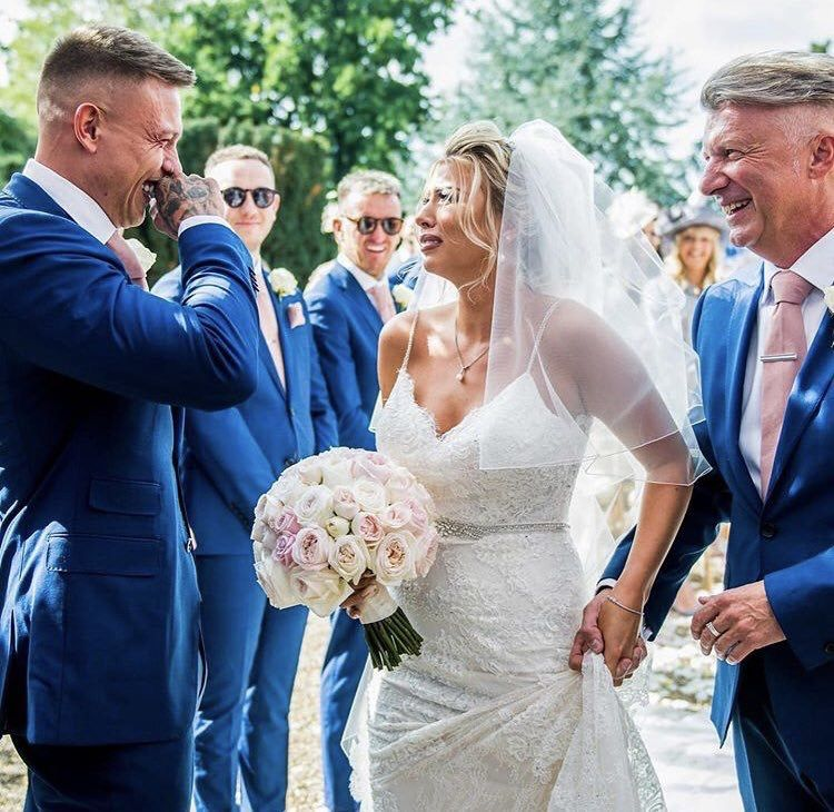 Pin By Mary Cooke On Wedding Enzoani Wedding Dresses Wedding