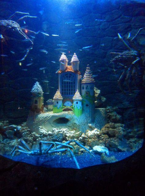 Lego castle aquarium lego fish tanks n aquariums for Fish tank castle