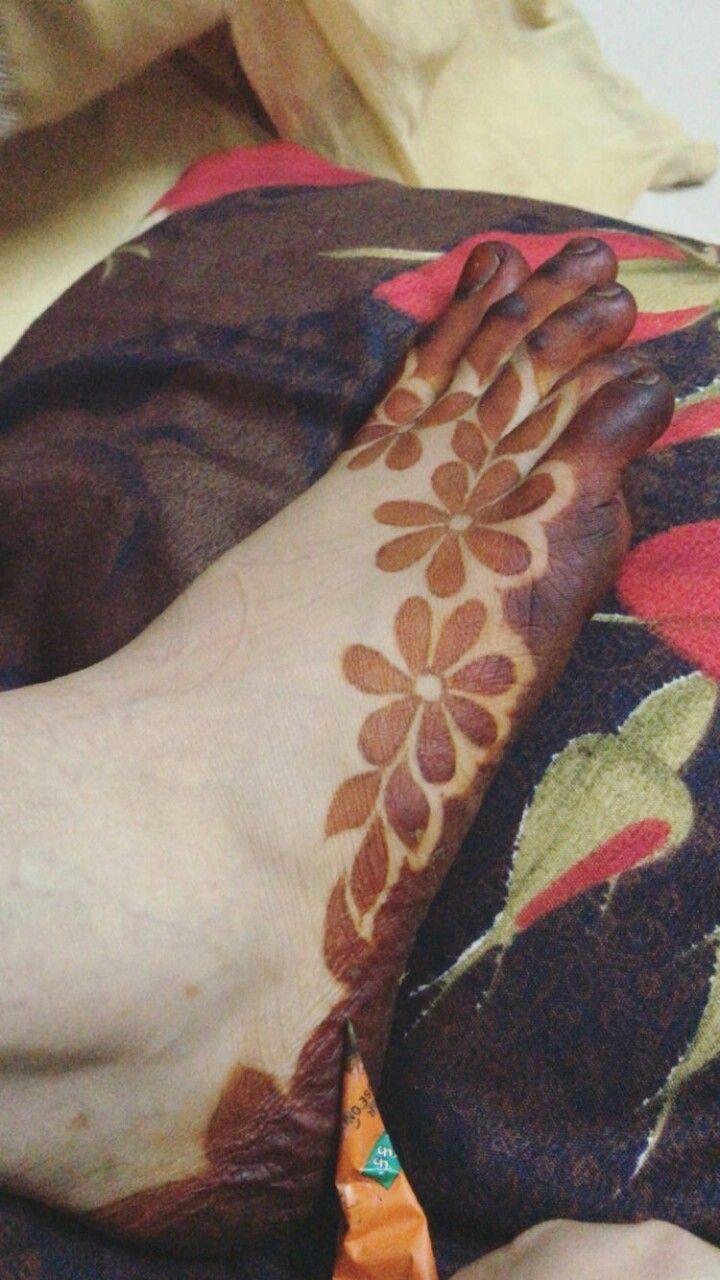 Pin By Lalit Kumar On Henna Henna Designs Feet Mehndi Design Photos Beginner Henna Designs