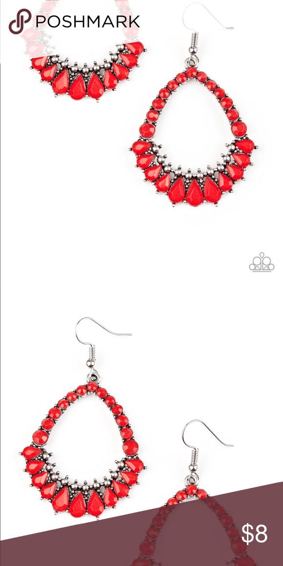 Teardrop Beaded Earrings Pear Teardrop Shaped Earrings That Are Designed With Individual Red Beaded Jewelry In The Same S Teardrop Beads Beaded Earrings Beaded