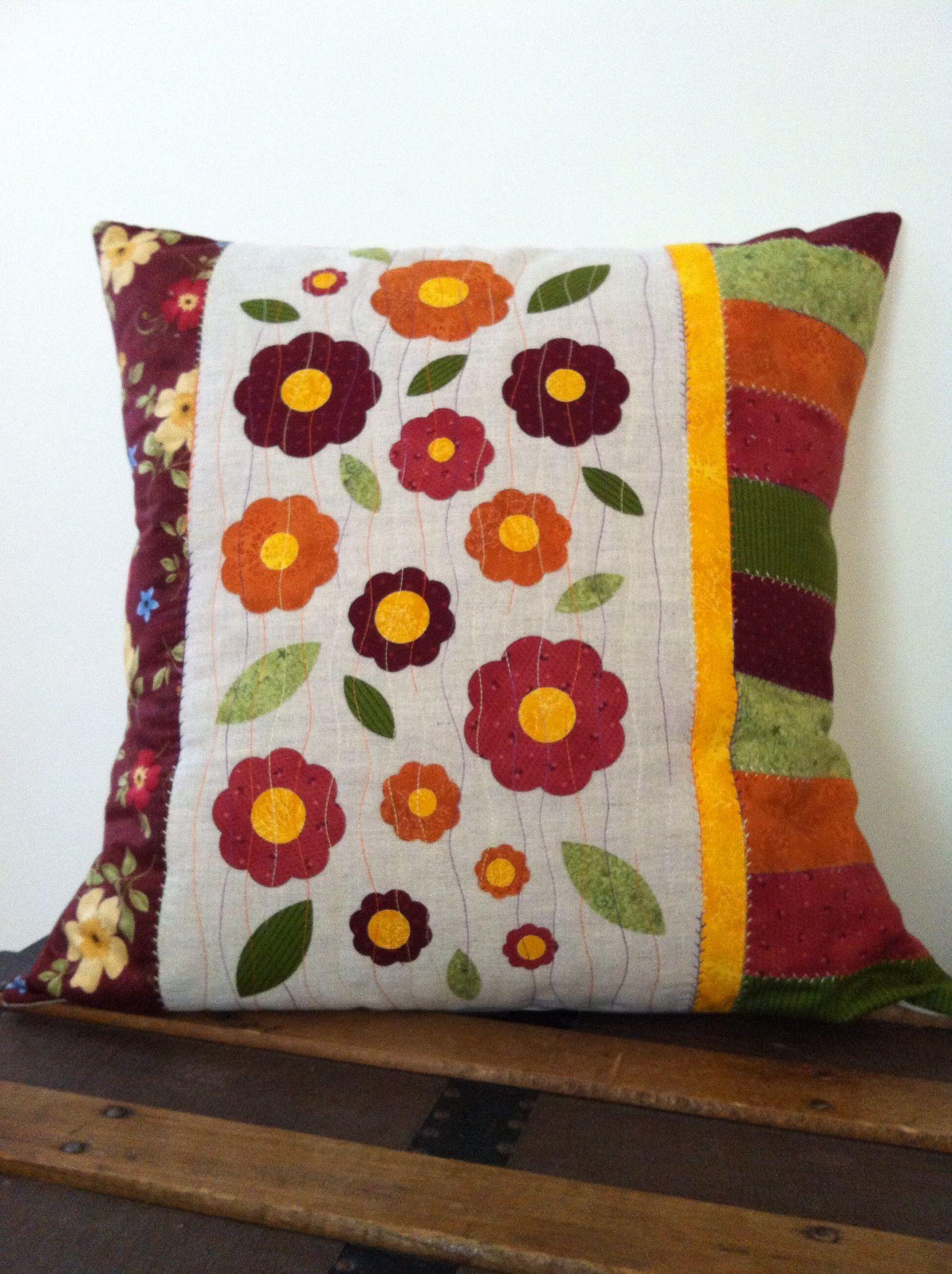 pillow for Michela: Flower Power