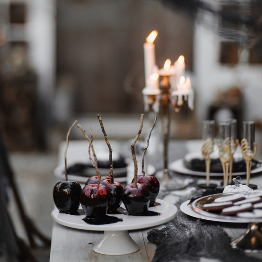 How to Throw a Tasteful (Not Tacky) Halloween Wedding