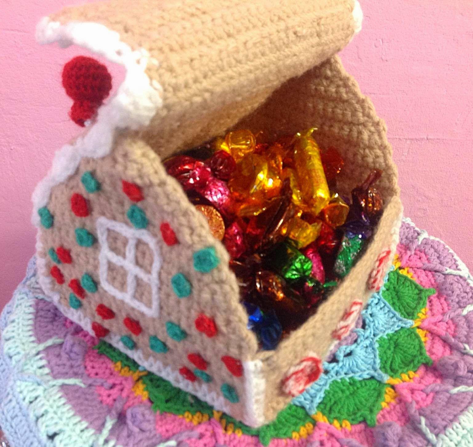 Yarn on Yarn off: Crochet Gingerbread House box … | Pinteres…