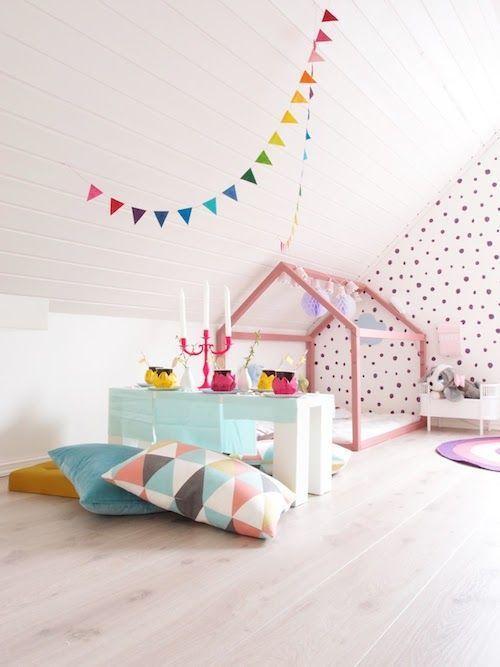 Lit Cabane Enfant Salle De Jeux Pinterest Kids Rooms Villas - Lit cabane rose