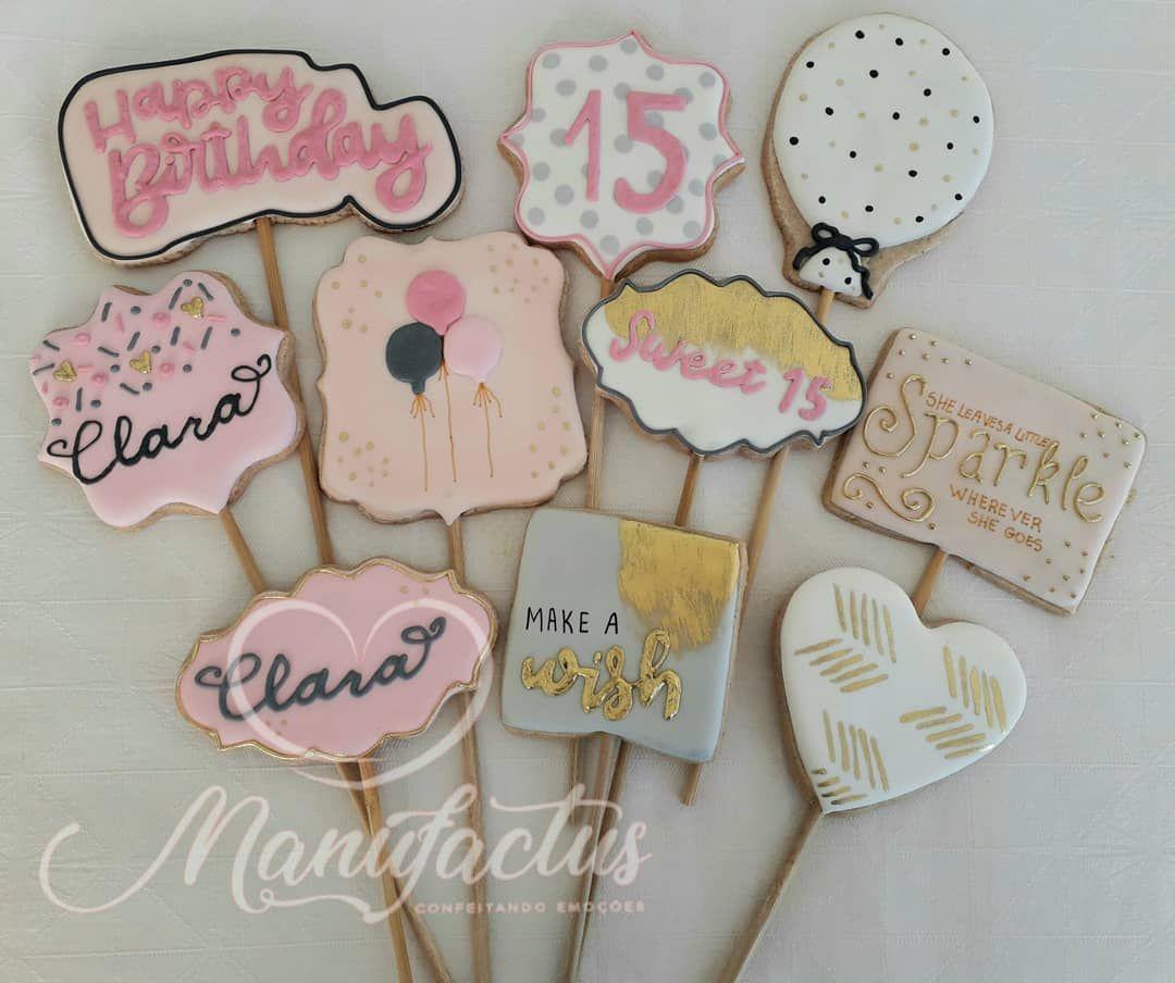 """14 curtidas, 0 comentários - Manufactus - Livia Linhares (@manufactus.livia) no Instagram: """"#15anos #biscoitos15anos #debutante #biscoitosdecorados #decoratedsugarcookies #decoratedcookies…"""""""