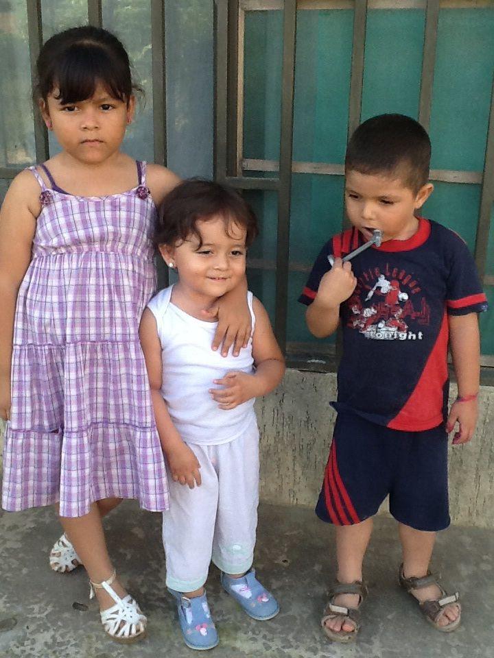 La princesa más hermosa con los primos