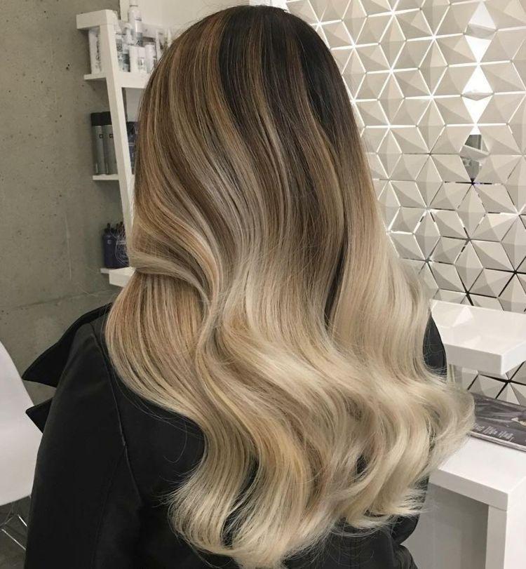 Ombre Haare Braun Ansatz Creme Blond Frisör Design Frisur