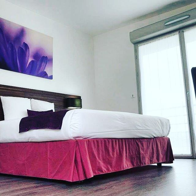 #hotelcaen #hotelcaen #caen #colombelles #confort #lit #normandie #design #dormir #normandie #dday