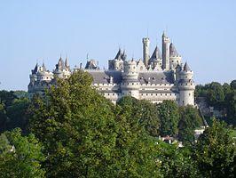 kasteel pierrefonds - Google zoeken