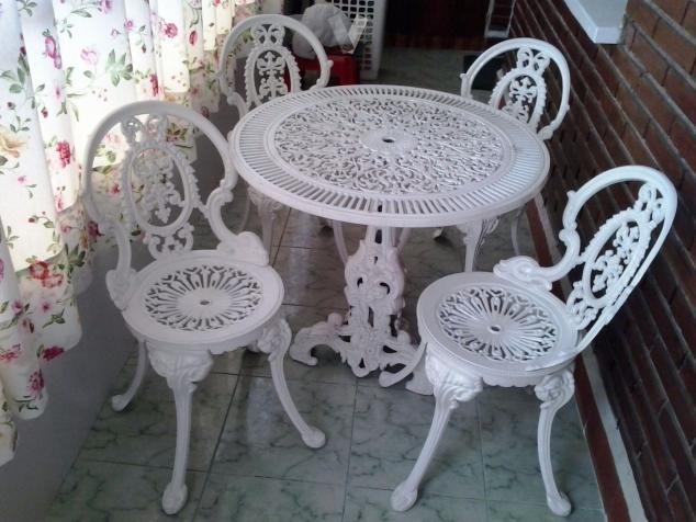 Mesa 4 sillas y un banco para terraza o jard n jardin - Mesas de hierro para jardin ...