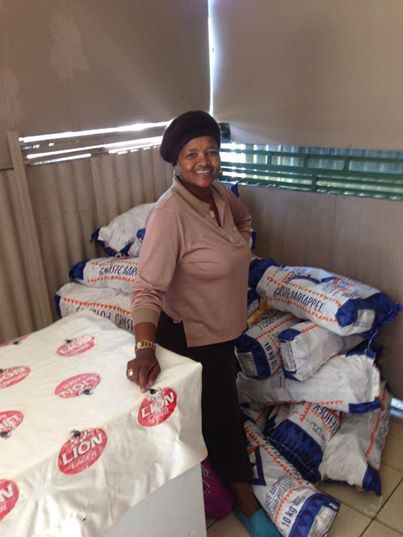 South African Mmalefa, one of our Enterprise Development candidates, has moved into her new shop. It is always surprising to see how many pockets of potatoes she uses in a day when making and selling her famous Atteridgeville bunny chows. She currently has three employees and makes a steady income. Keep up the good work Mmalefa!
