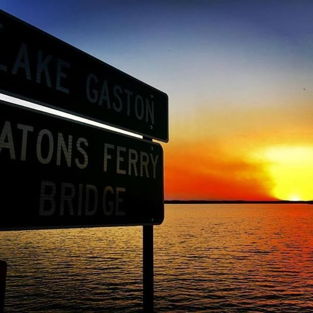 Just Another Perfect End To A Perfect Day On Lake Gaston Happy Monday Everyone Thank You For The Incredible Photo Af Wake Halifax Tourism Lake Life