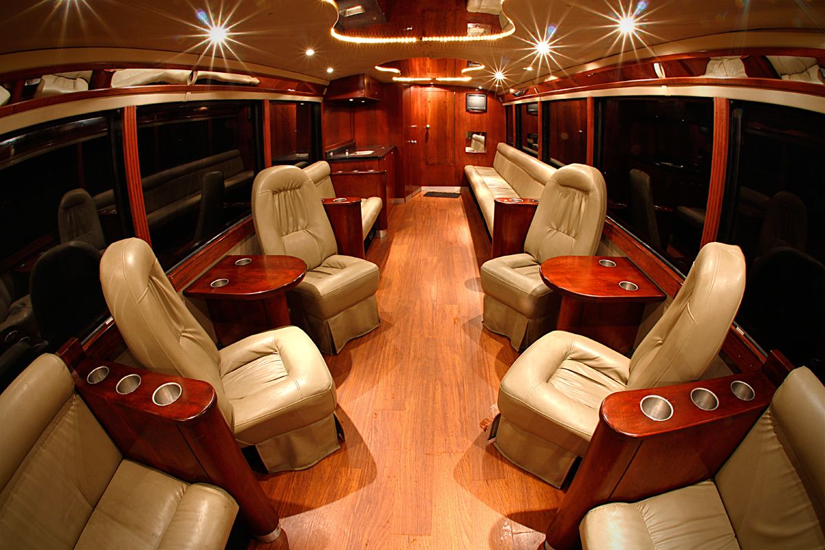 VIP Coach Bus « B Royal Livery Limousines and VIP
