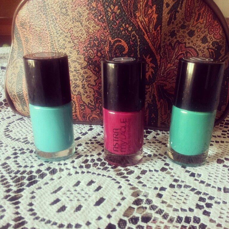 ...altri tre colori. ..:-)..#nails#colors#nailsart#vernis#nailpolish#makeup#cosmetici#