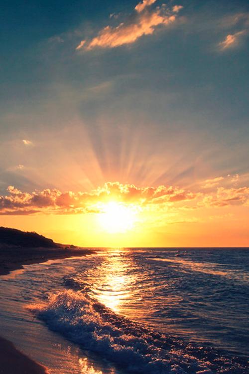 Puesta De Sol Sobre El Oceano Puesta De Sol En La Playa Con Hermoso Cielo Puesta De Sol Dramatica Foto D Puesta De Sol Playa Puestas De Sol Caldera Santorini