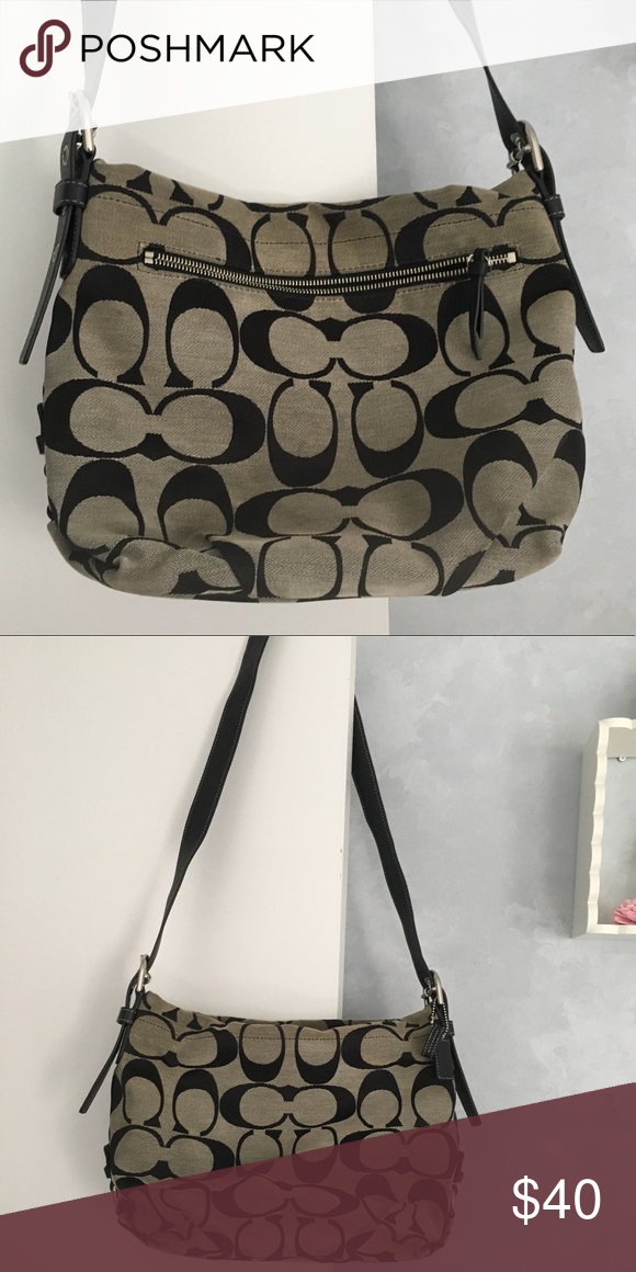 2382b7da1effa Coach Crossbody Bag Used a hand full of times in great condition no stains  or marks