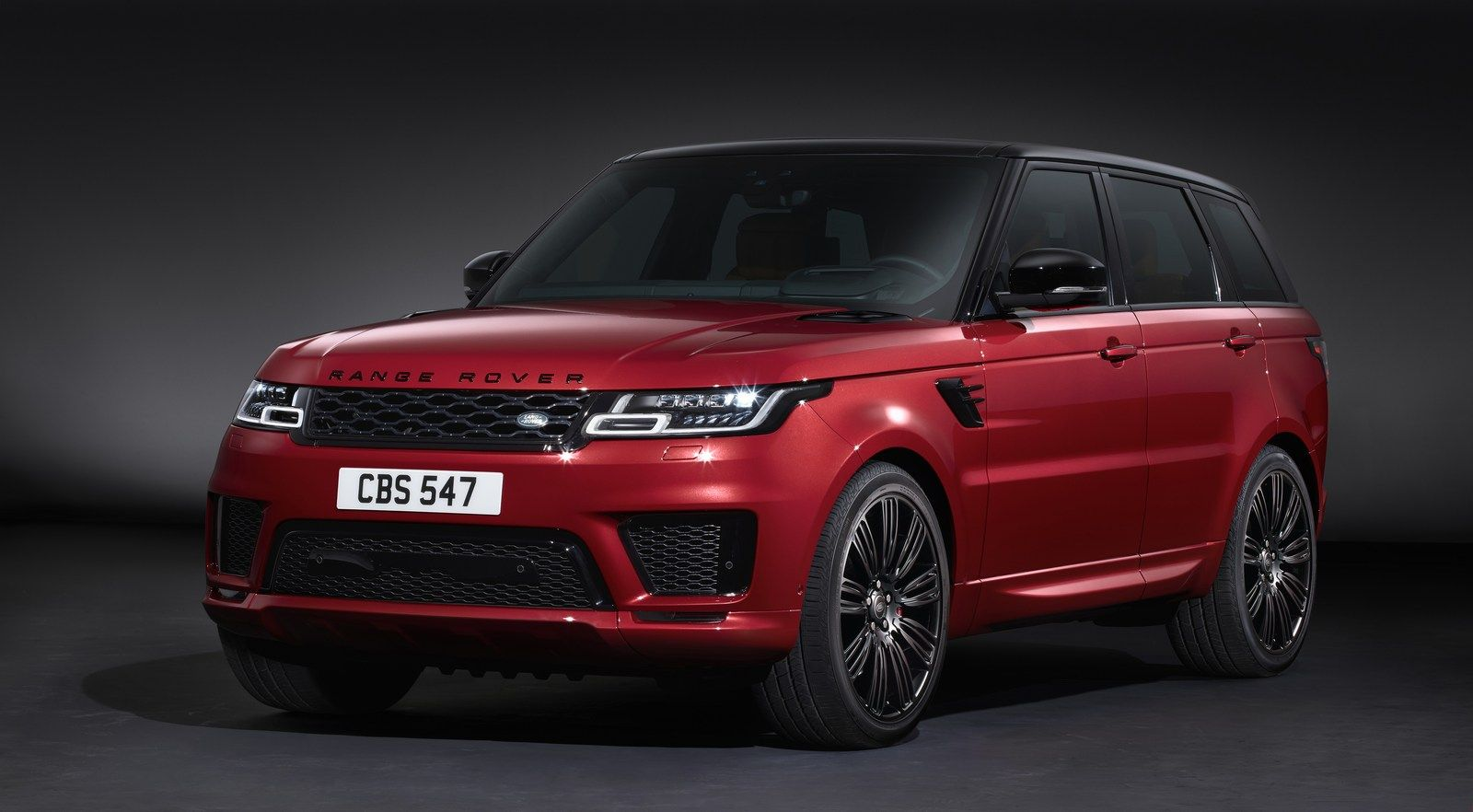 2018 Range Rover Sport Lineup Revealed With New Plug In Hybrid And More Powerful Svr Carscoops Range Rover Sport Autobiography Range Rover Sport 2018 Land Rover Sport